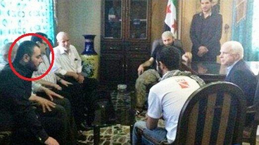 Джон Макейн се среща с халиф Абу Бакар ал-Багдади, лидер на ИДИЛ, в Алепо през април 2013 г.